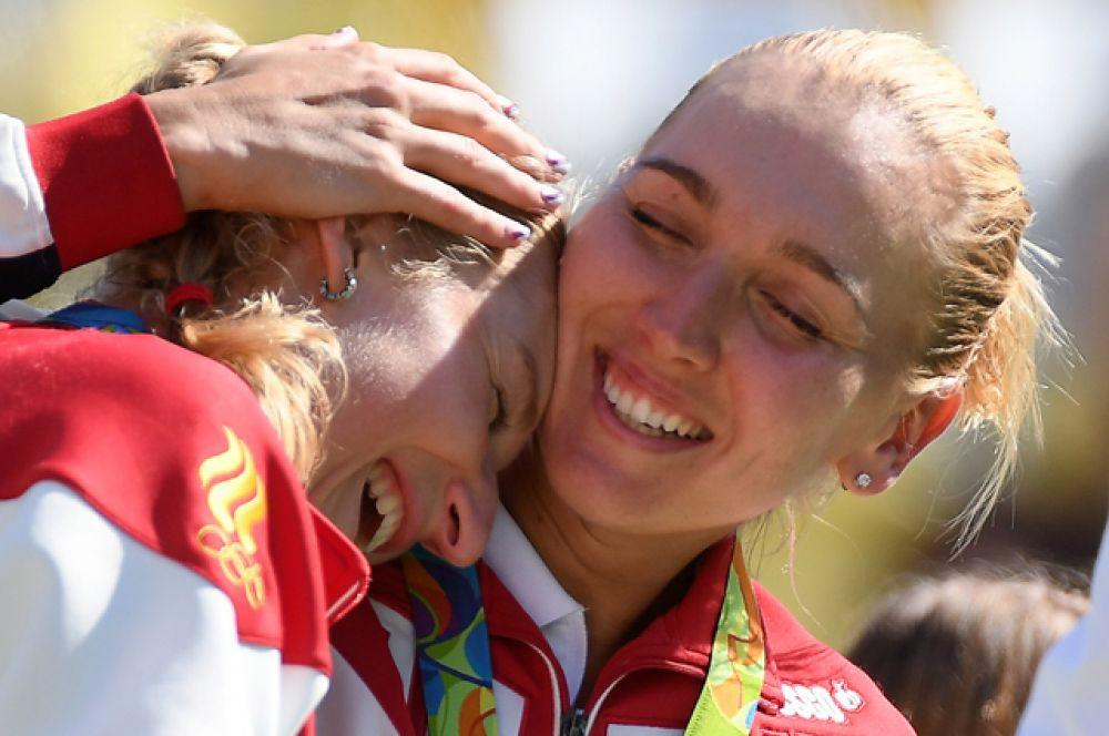 14 августа теннисистки Елена Веснина и Екатерина Макарова завоевали золото Олимпийских игр в женском парном разряде, выиграв в финальном поединке у Мартины Хингис и Тимеи Бащински.