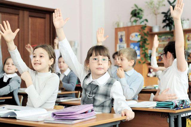 Ожидается, что к 1 сентября приемка школ будет завершена, и все ученики отправятся в школы.