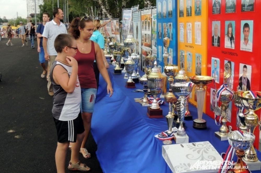 Коллекция трофеев кубанских спортсменов впечатляет.