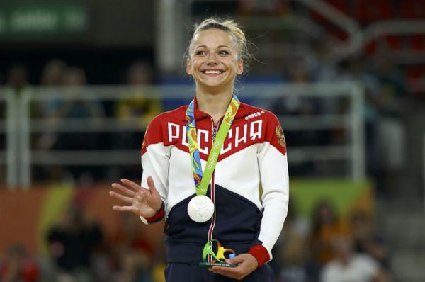 Гимнастка Мария Пасека завоевала серебро в опорном прыжке на Олимпиаде.