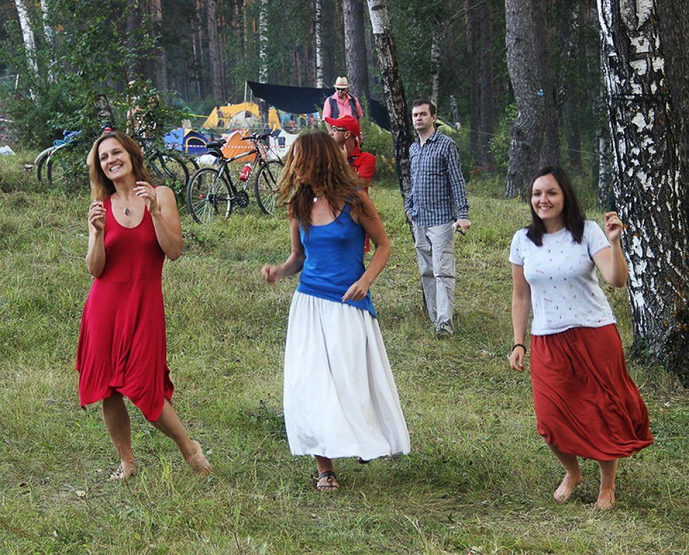 И танцам было место на фестивале