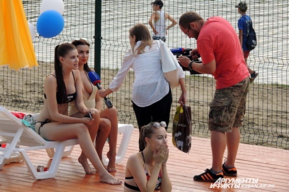 За первые два дня работы пляжа его посетили уже более 1000 человек.