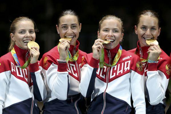 13 августа саблистки Софья Великая, Яна Егорян, Юлия Гаврилова и Екатерина Дьяченко обыграли Украину в командном первенстве и завоевали золото.