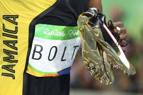 Ямайский легкоатлет Усэйн Болт стал семикратным олимпийским чемпионом и завоевал золотую медаль, пробежав в финале стометровку за 9,81 секунды.