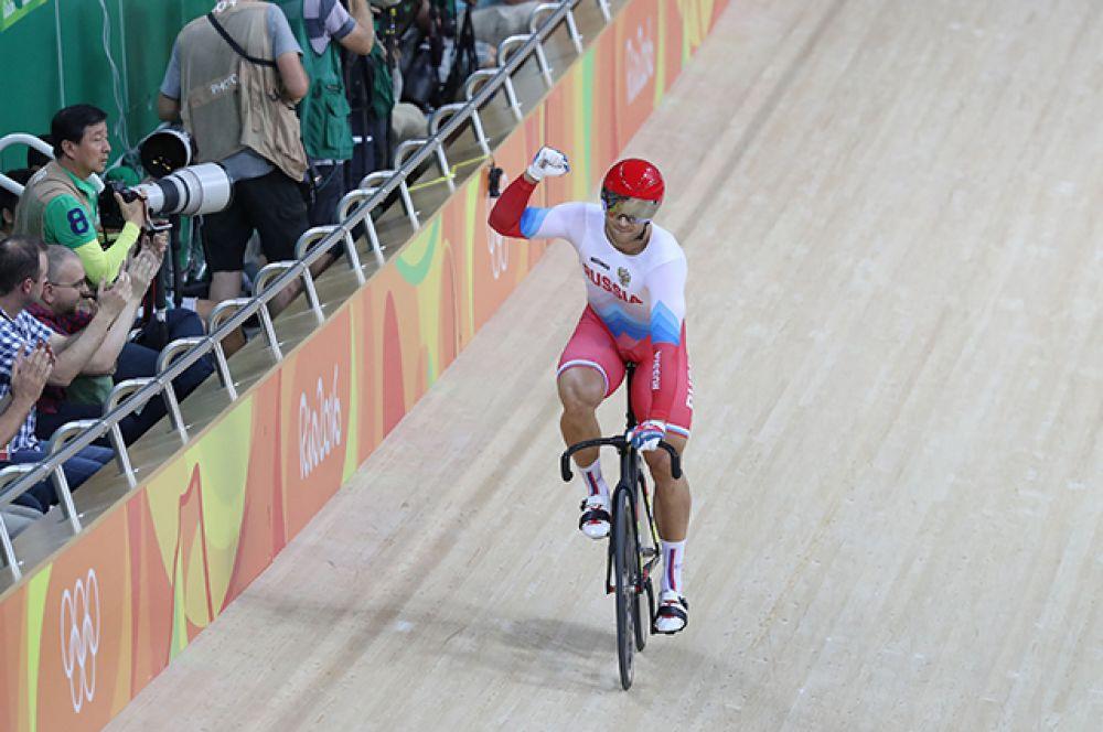 15 августа велогонщик Денис Дмитриев стал бронзовым призером турнира ОИ-2016 по велотреку в индивидуальном спринте.