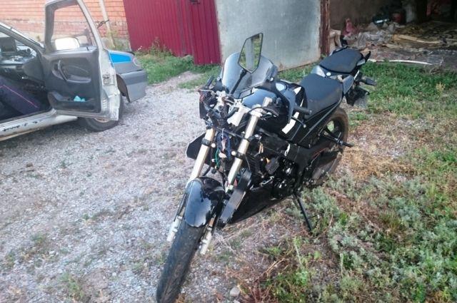 Милиция задержала жителя Омска, ездившего наугнанном вИталии мотоцикле