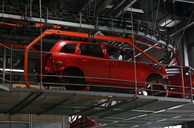 Русский волжский автомобильный завод из-за падения авторынка снова перейдет начетырехдневную рабочую неделю