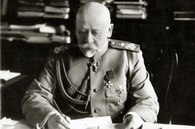 Владимир Сухомлинов долго сохранял доверие императора.