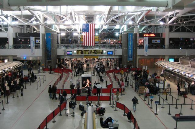 Аэропорт имени Джона Кеннеди обесточен— Нью-Йорк