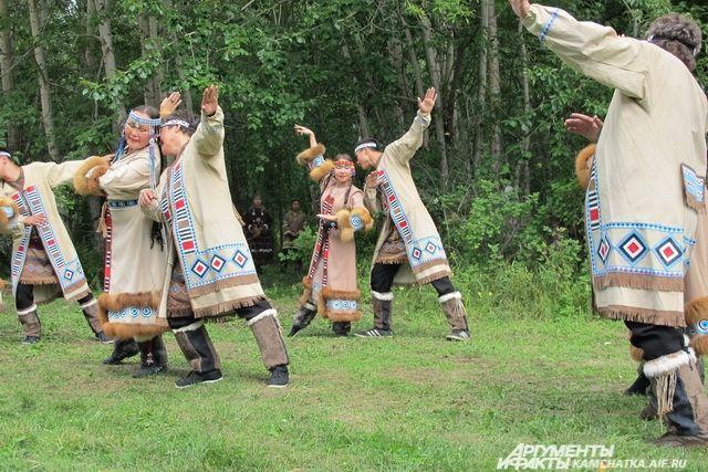 Ни один праздник не обходится без северных танцев!