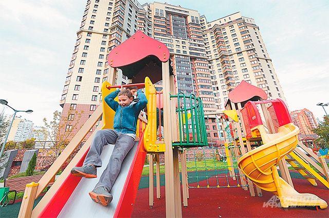 Не безопасные современные детские площадки.