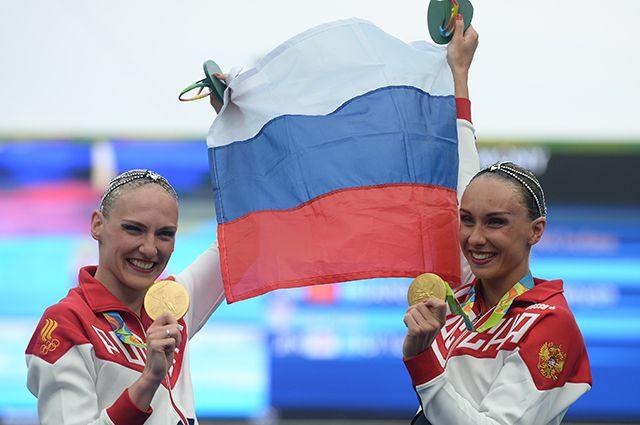 Светлана Ромашина и Наталья Ищенко (слева направо) одержали победу в выступлении дуэтов.