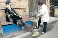 Чисто там, где не мусорят, или где дворников и урн больше? Мнения челябинцев разделились.
