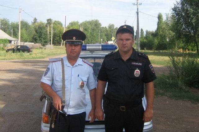 ВОренбургской области пытался повеситься мужчина, его спасли полицейские