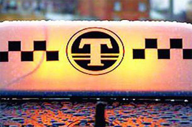 Такси протаранило светофор наМаяковского