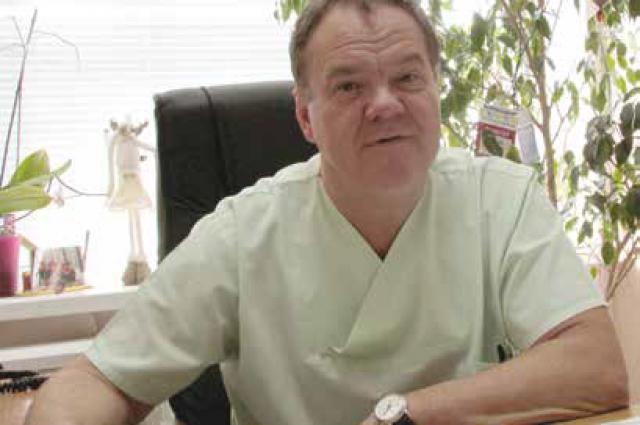 Александр Резников - современный Айболит, которому под силу пришить не только ногу, но и другие очень важные органы