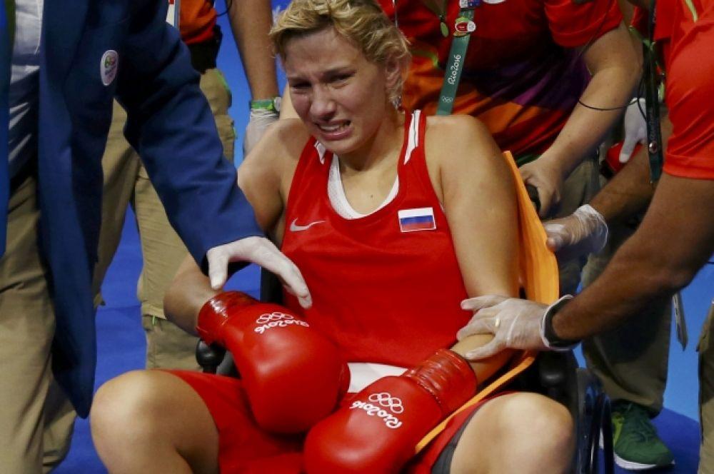 17 августа Анастасия Белякова взяла бронзу в группе до 60 кг по боксу.