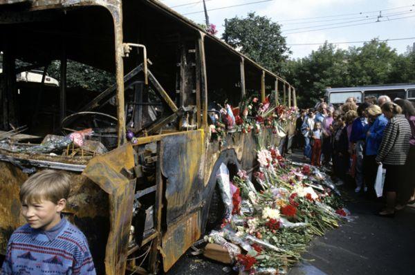 Место гибели защитников демократии в ночь на 21 августа 1991 года на Садовом кольце в районе улицы Чайковского.