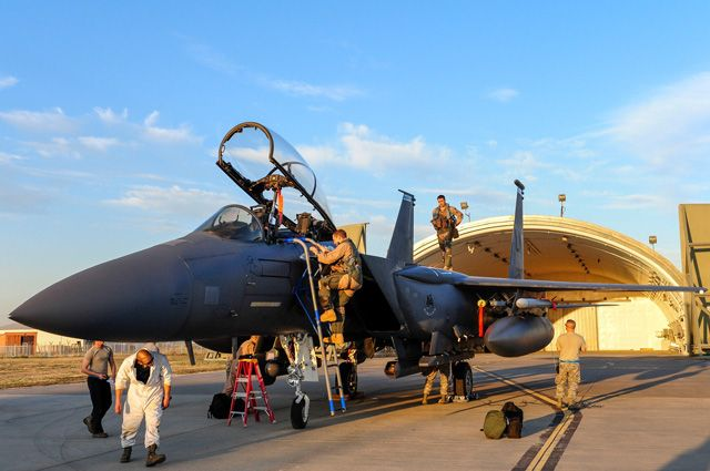 Самолёт ВВС США на авиабазе «Инджирлик».