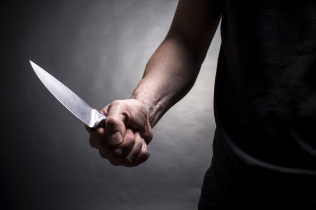 ВКстове мужчина нанес ножевое ранение полицейскому