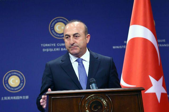 Руководитель МИД Турции назвал Запад первопричиной кризиса вгосударстве Украина