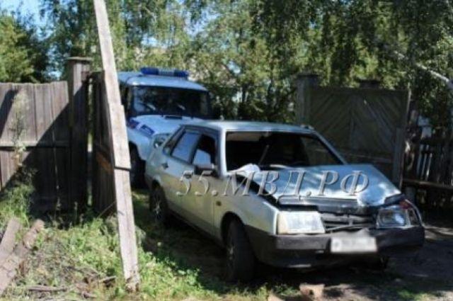 Полицейские обнаружили автомобиль по характерным вмятинам.