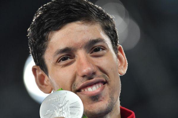 В 13 день Олимпиады Алексей Денисенко завоевал серебряную медаль в соревнованиях по тхэквондо среди мужчин в весовой категории до 68 кг.