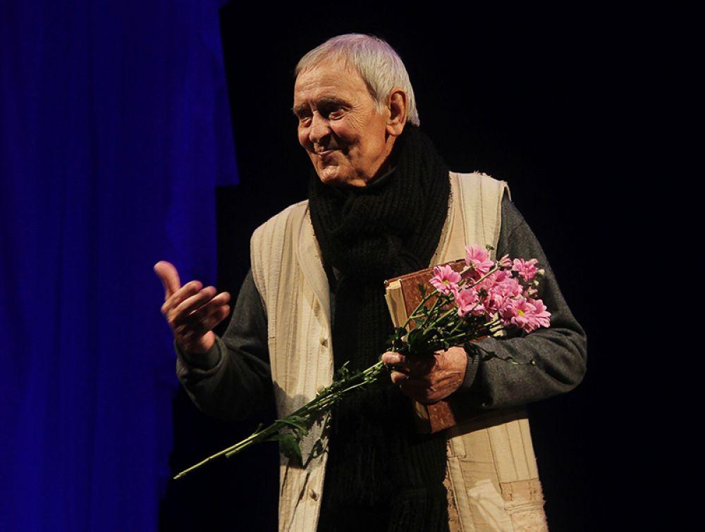 Народный артист России Алексей Дуров отметил на сцене 50-летие творческой деятельности