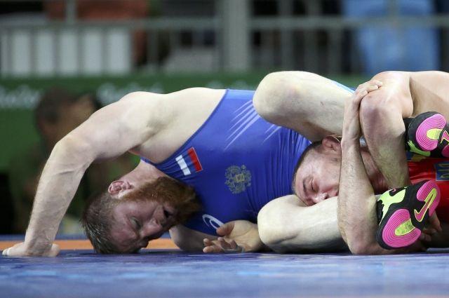 Вольная борьба. Украинец Андрейцев проходит вполуфинал