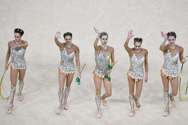 Сборная России по художественной гимнастике выиграла золото в групповых упражнениях соревнований на Олимпиаде в Рил-де-Жанейро.