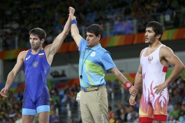 Борец Сослан Рамонов принес сборной России 19-ю золотую медаль.
