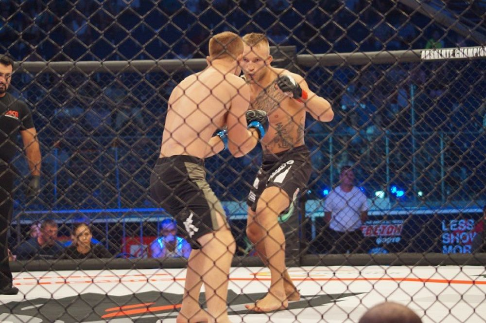 Рустам Гаджиев против Эмиля Ружевски.