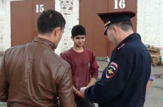 Бунт мигрантов: впоселке Кольцово вспецприемнике два человека вскрыли себе вены