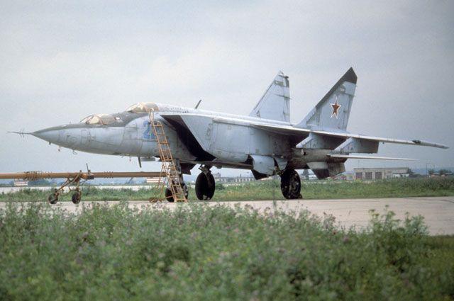 Истребитель-перехватчик МиГ-25.