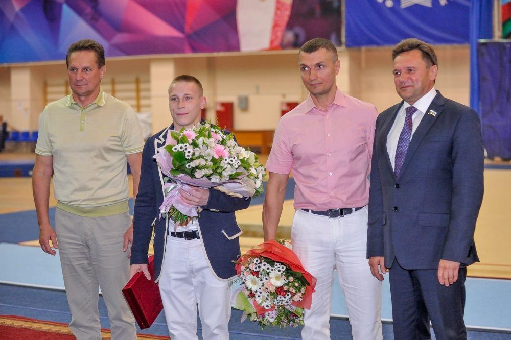 Поздравления от главы города Валерия Савельева и главы администрации г. Пензы Виктора Кувайцева