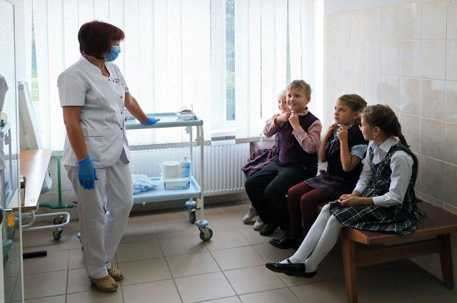 Дети, в отличие от их родителей, прививок не боятся.