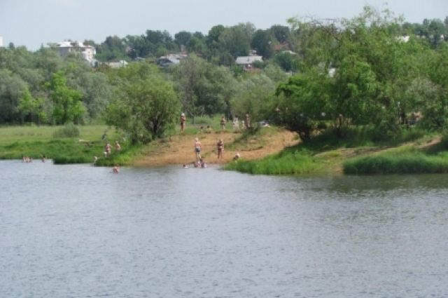 ВТатарстане автомобиль вылетел возеро, шофёр умер