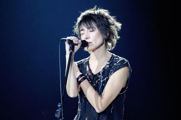В апреле 2002 года выходит третий альбом певицы — «Четырнадцать недель тишины».