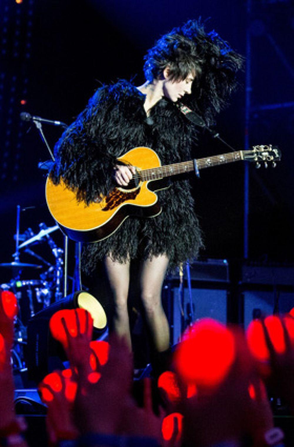 В феврале 2013 года свет увидел новый студийный альбом «Жить в твоей голове». Доходы от продаж альбома за первый месяц составили два миллиона рублей, что является рекордом для интернет-продаж произведений российских исполнителей.