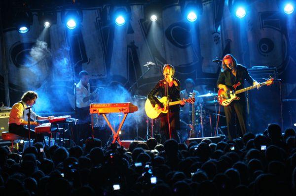 В октябре 2007 вышел новый альбом Земфиры — «Спасибо», куда вошли двенадцать песен, написанных, по словам певицы, на одном вдохновении, в течение года (от осени 2006-го до осени 2007-го).