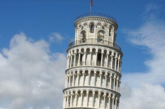 Итальянцы протестуют против возведения мечети около Пизанской башни