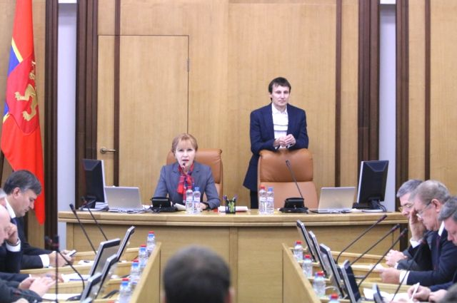 Квопросу лишения мандатов депутатов красноярского горсовета возвратятся 6сентября