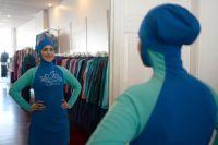 Жители Омска интересуются, как выглядит буркини.