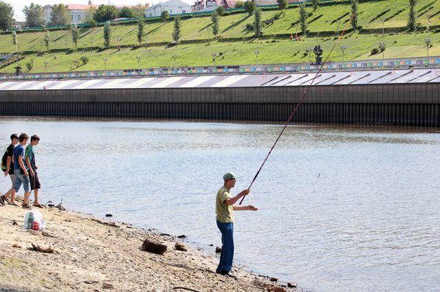 Рыбачить в Туре тюменцы не прекращали никогда.