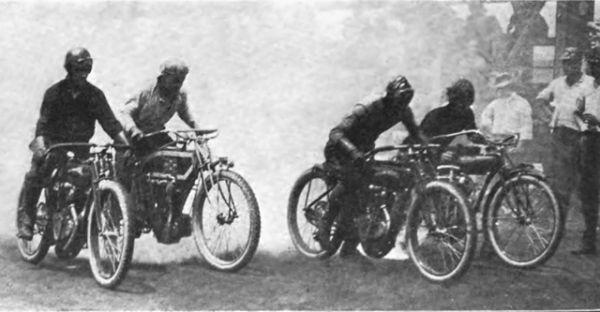 Год спустя Джозеф Меркель разработал мотоцикл для гонок под названием Flying Merkel.