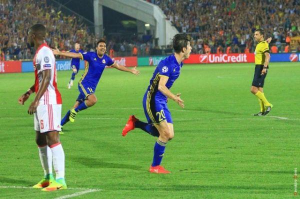 Несмотря на игровое преимущество ростовчане отчаянно нарушали правила и получили от судьи три желтых карточки.