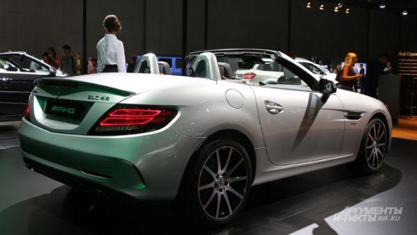 Кабриолет Mercedes-AMG SLC 43.