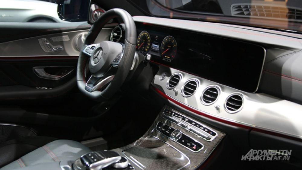 Интерьер Mercedes-AMG E43.