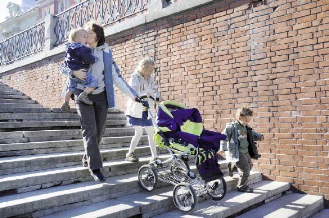 Нижегородские семьи при рождении 3-го ребенка будут получать по 100 000 руб.