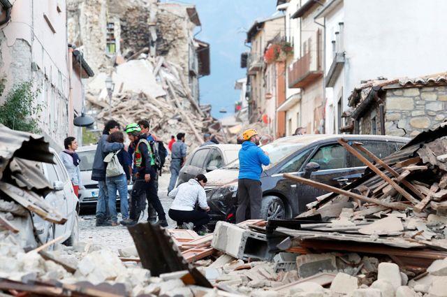 Количество жертв землетрясения вИталии возросло до 290 человек